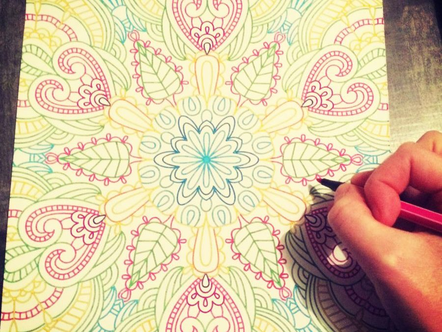 Stress : pourquoi investir dans un livre de coloriage pour adultes ?